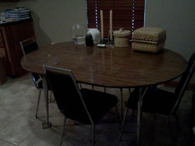 50 Obo Dining Table And Four Chairs For Sale For Sale In Stillwater Oklahoma Classified