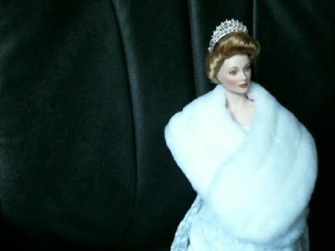 $50 Princess Grace & Jacqueline Kennedy porcelain dolls