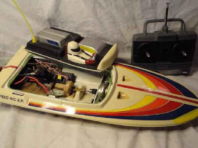 $50 RC BOAT with Futaba radio, ABS boat hull with a Graupner