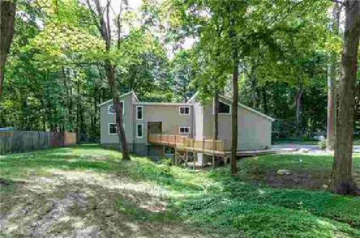523 Countrywood Drive Noblesville Four BR, A Great Home