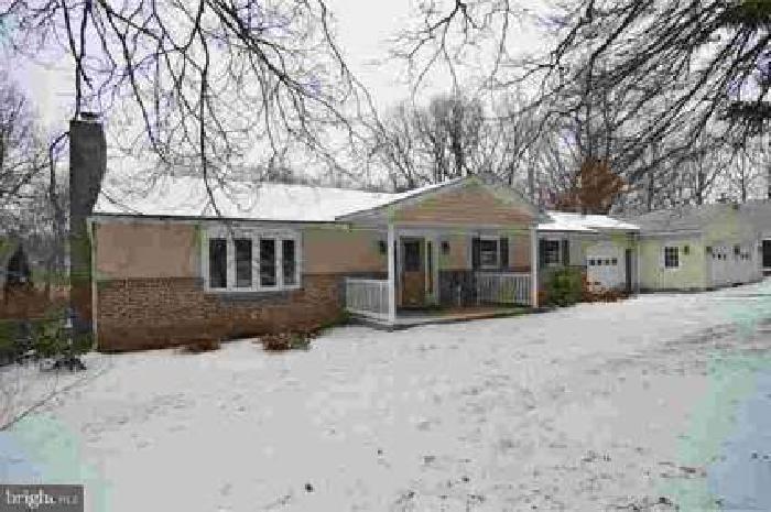 543 N Galen Hall Rd Wernersville Three BR, This woodland home was