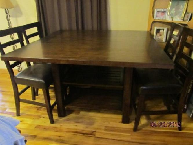 $550 OBO Dining Room Table
