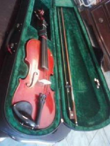 $55 Beautiful Cherry 3/4 violin + bow & case