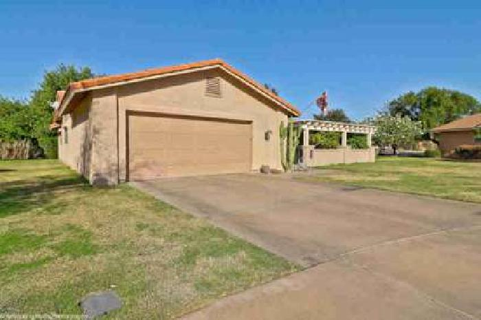 587 Leisure World Mesa Three BR, Amazing updated home with