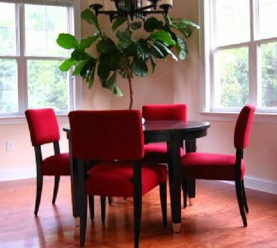598 Crate Barrel Baby Grand Dining Table And Cody Chairs