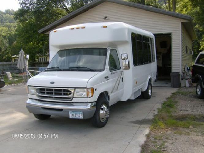 $5,000 OBO Passenger Van for 11 plus driver
