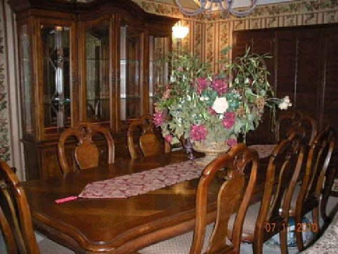5 100 Thomasville British Gentry Dining Room For Sale In