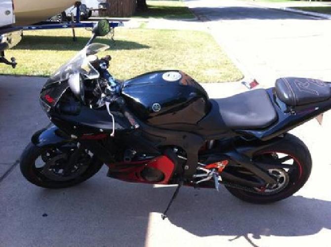 $5,200 2003 Yamaha R6