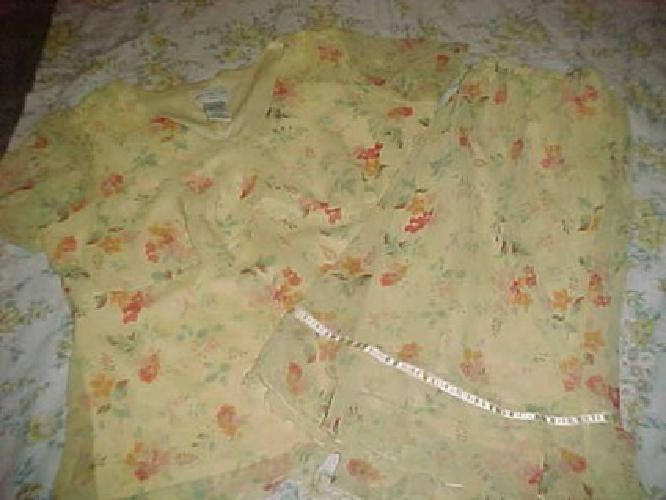 $5 Nice Springy Looking Skirt and Top size 18W/20W