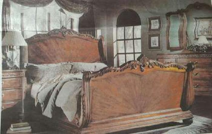 5 pieces King size Bed room sets for sale. excellent conditions - $900 (CANTON)