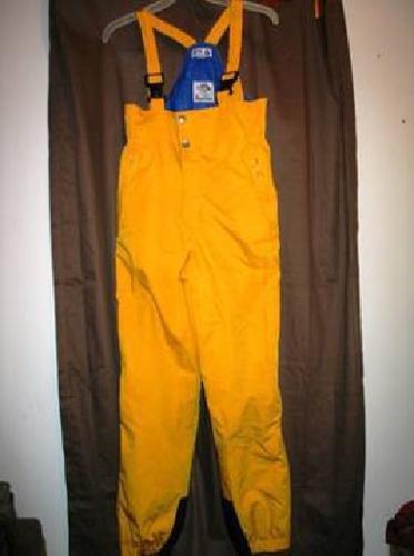 $5 Women's FILA bibbed snow pants size 28 waist