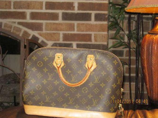 $600 Authentic Louis Vuitton Monogram Canvas Alma Bag