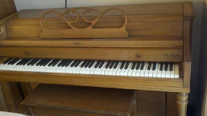 600 jesse french sons ori coustic tone piano for sale for How much space does a baby grand piano need