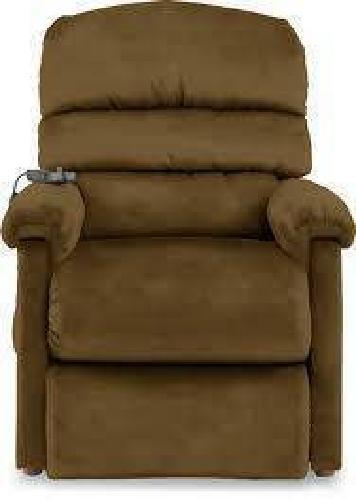 $600 Lazy Boy Luxury Lift Chair for sale in Wichita