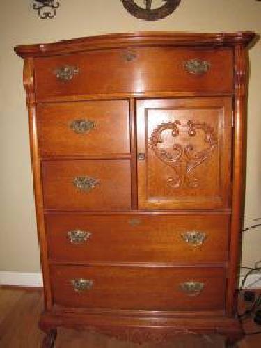 lexington victorian sampler door chest 22443557 europe baby lexington