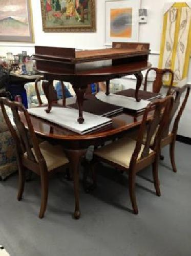 obo mahogany dining room table w 6 chairs 2 leaves protective pads