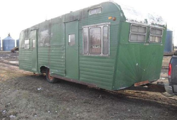 600 old camper ice fishhouse plummer mn for sale in for Used ice fishing houses for sale