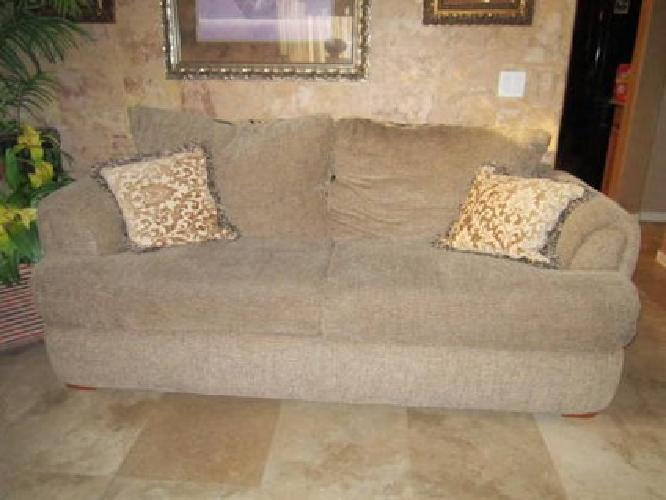 600 Sofa And Matching Loveseat For Sale In Goodyear