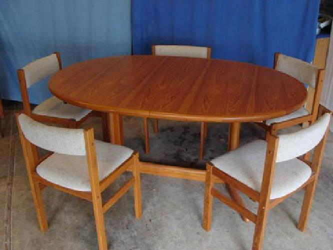 600 Solid Teak Dania Dining Table Set For Sale In