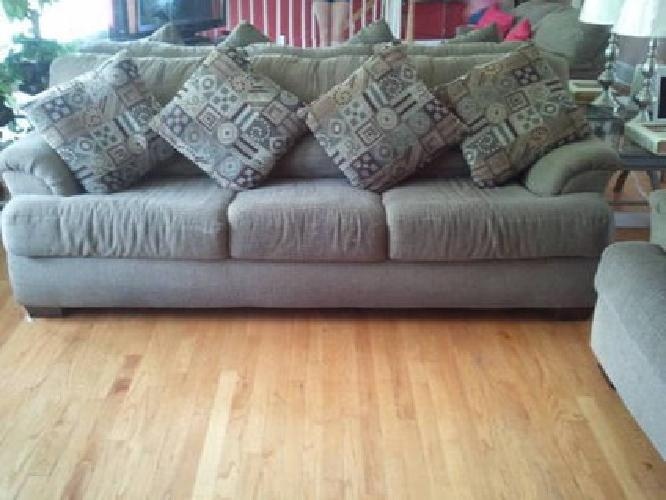 Used Couches For Sale >> 600 Used Couches Or Sale For Sale In Addison Illinois Classified