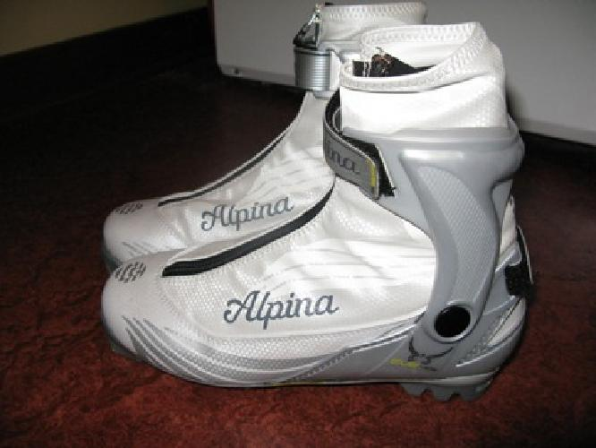 $600 Women's Skate Ski's and Boots For Sale