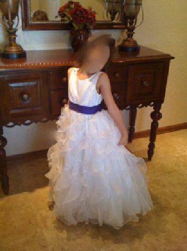 b3f82d661fd  60 David s Bridal Organza Flower Girl Dress H1281 Soft White Size 6  (Miramar)
