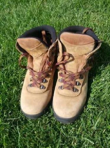 $60 Gronell Gatineau Men's 9 1/2 Hiking Boot (Spanish Fork)