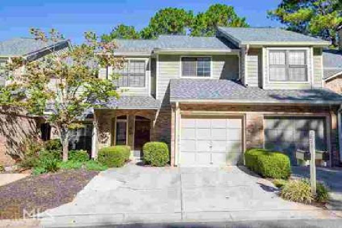 637 Granby Hill Pl Alpharetta Two BR, Charming townhome with