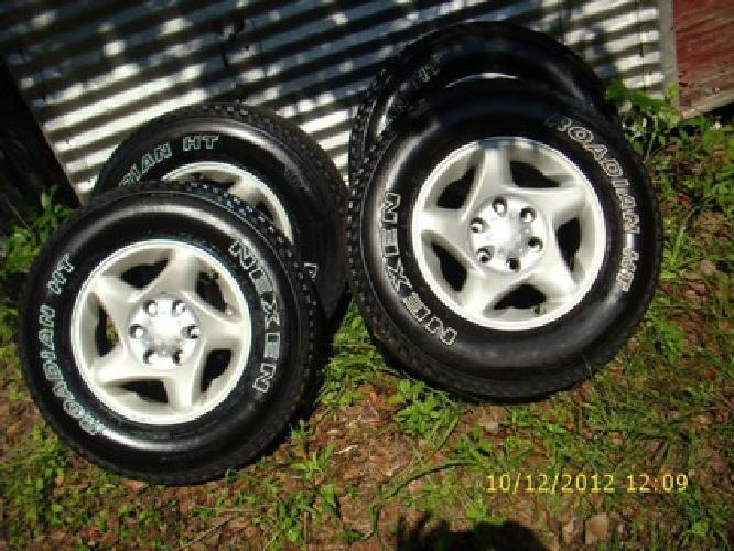 $650, (4) Toyota 6 lug Alloy wheels & tires - $650 (north Jacksonvile, Fl)