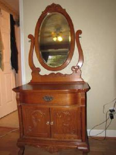$650 Lexington Victorian Sampler Washstand And Mirror