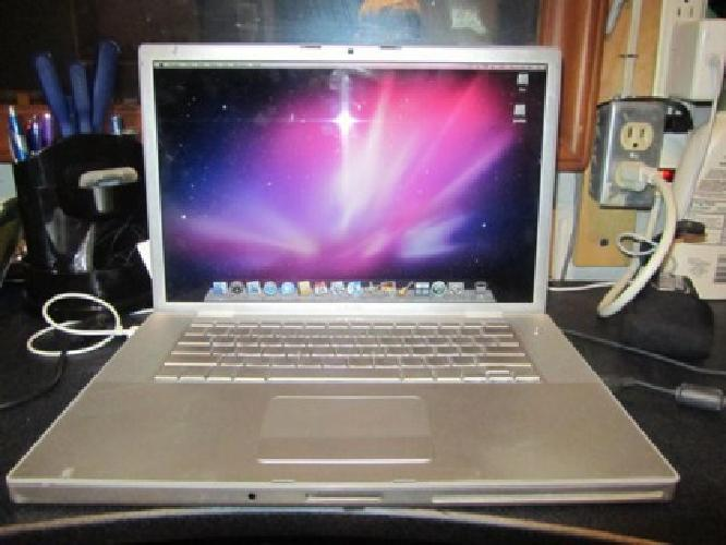 $650 OBO Apple MacBook Pro MB766LL/A 17-Inch Laptop