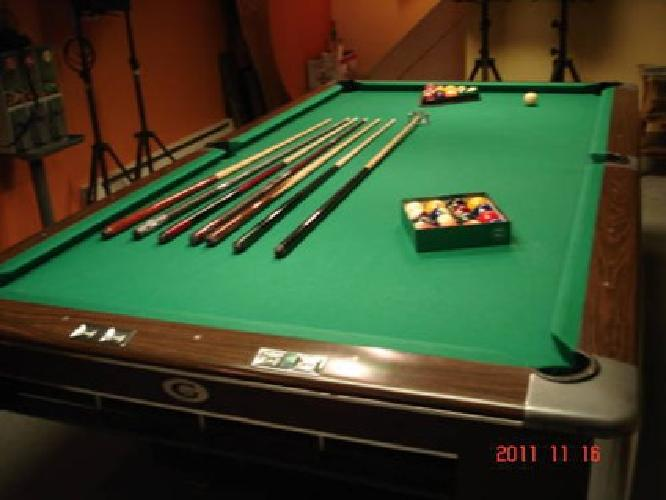 $650 Pool Table   Gandy Tournament Size
