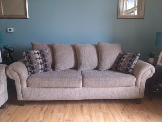 675 Obo Perfect Condition Sofa Loveseat Combo For Sale In Madison Wisconsin Classified