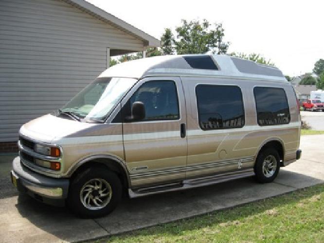 6000 OBO 2000 Chevy Custom Conversion Van 52000 Miles