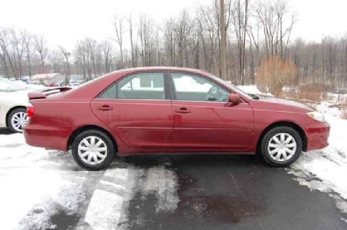 $6,403 2005 Toyota Camry LE
