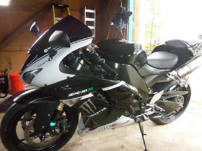 $6,500 OBO 2007 Kawasaki Ninja ZX10R with LOW MILES