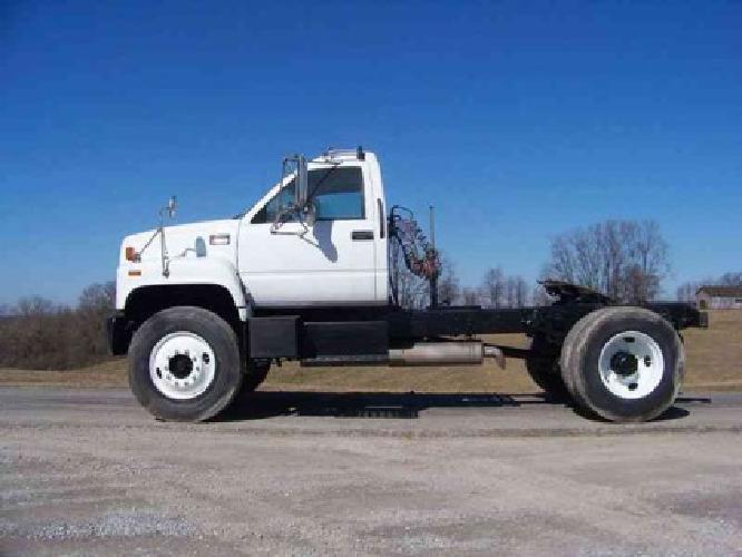 67502000 Gmc T7500 Single Axle Daycab 18734384