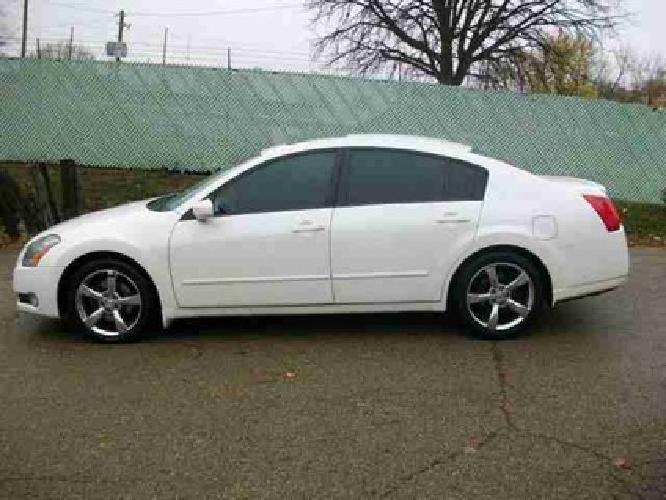 6 999 used 2004 nissan maxima for sale for sale in bloomington illinois classified. Black Bedroom Furniture Sets. Home Design Ideas