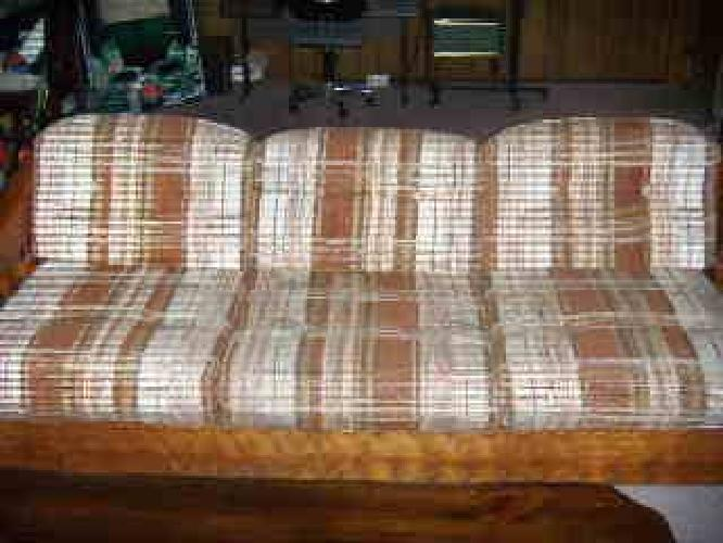 $700 Gorgeous Living room set with tables and lamps