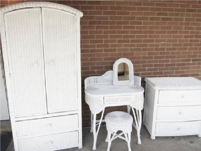 700 pier 1 imports bristol collection white wicker bedroom set for sale in saline michigan for Pier one imports bedroom furniture