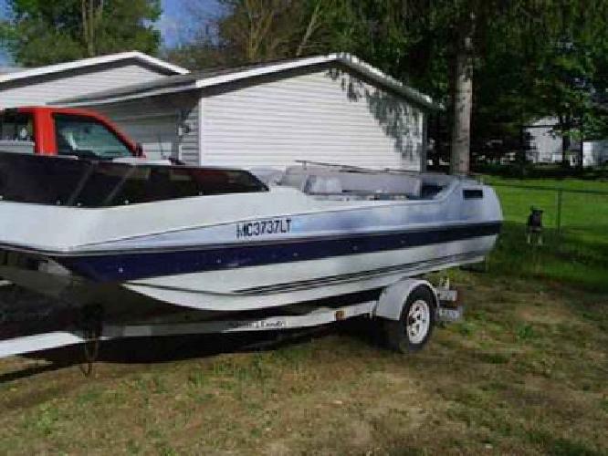 $750 1985 hurrican deck boat , needs engine