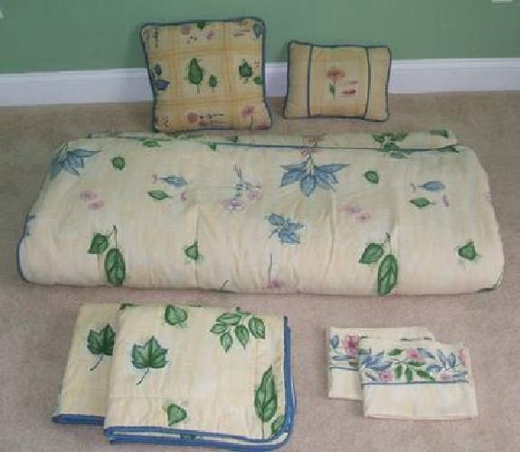 $75 Croscill Bedroom Set - Yellow with Floral Pattern