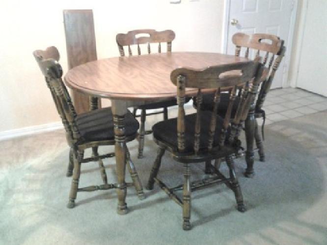 $75 Kitchen Table and Chairs