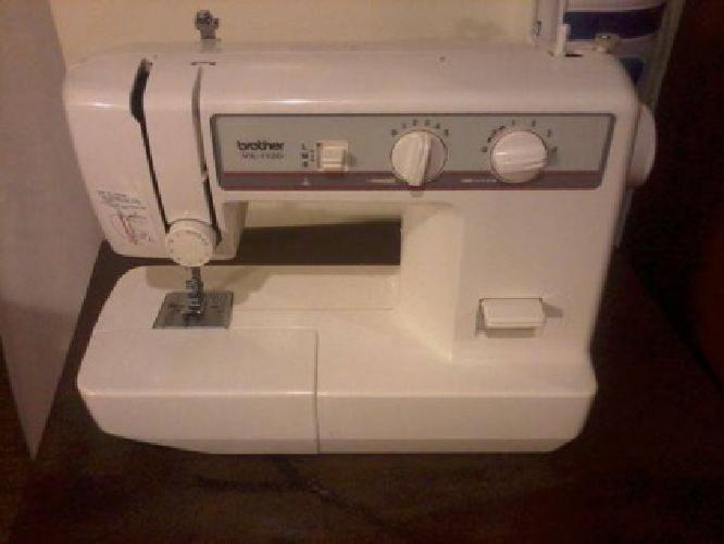 $75 maquina de coser;:; (azusa/covina)