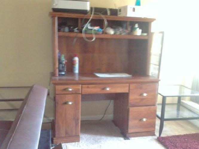 $75 OBO Better Homes And Gardens Computer Workstation Desk And Hutch, Oak
