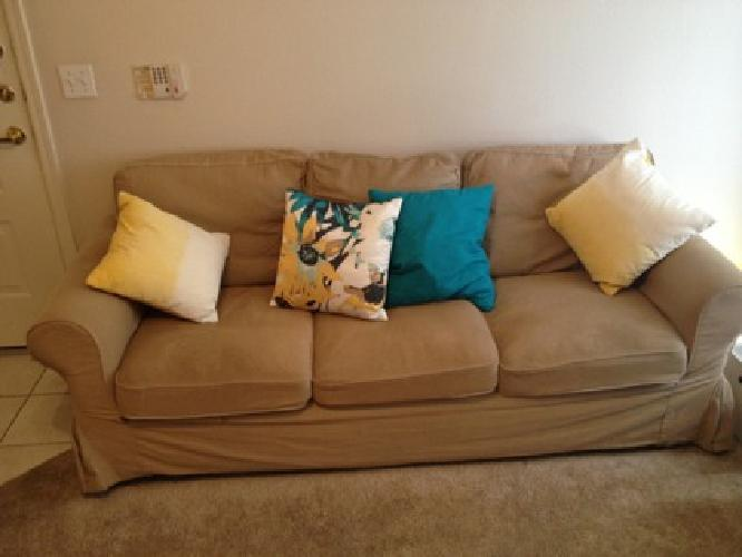 75 Obo Moving Sale Queen Bed Comfy Couch Big Tv And