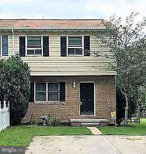 790 Barrett St Hanover, This Three BR Two BA townhouse is