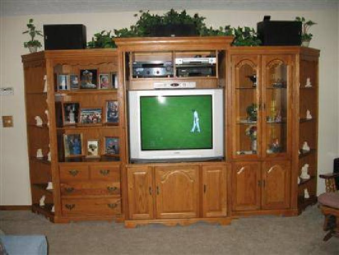 $795 Broyhill Entertainment Center