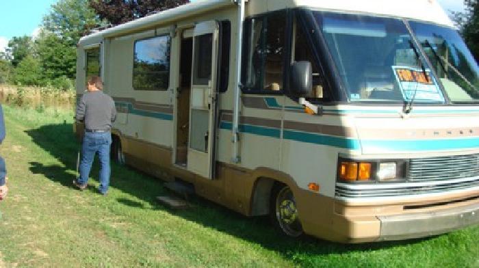 $7,000 OBO 1989 34 FT Winnebago Chieftan Motorhome