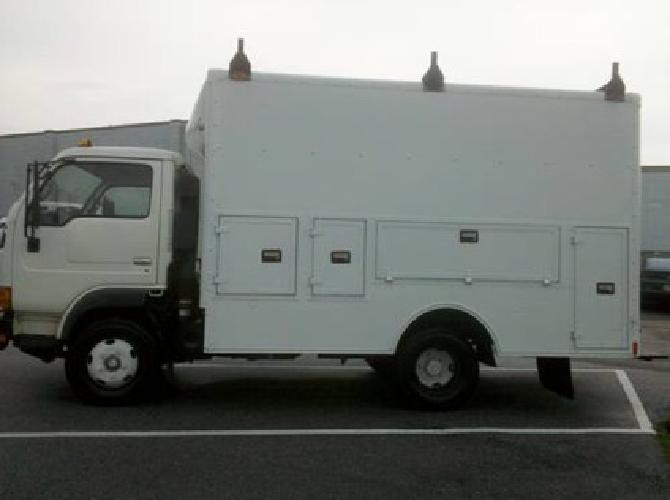 $7,500 2000 Nissan Ud Series 1200, Box Truck W/Side Tool Boxes, 5-Spd, a/C